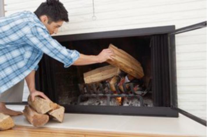 真火壁炉添加木柴的步骤b.png
