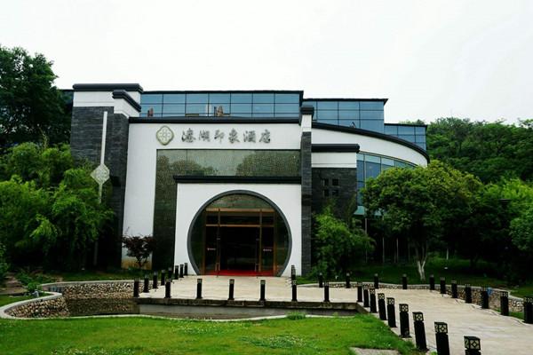 南京溱湖印象酒店定制仿真电壁炉安装.jpg