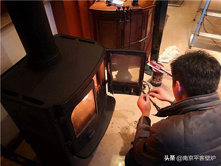已经装修好的别墅,还可以安装真火壁炉吗?.jpg